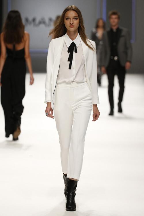 Mango Womens Fall Winter 2015 White Suit. White Suit. Mango Women Fall  Winter 2015 White Sweater Black Short 812c8d1f4
